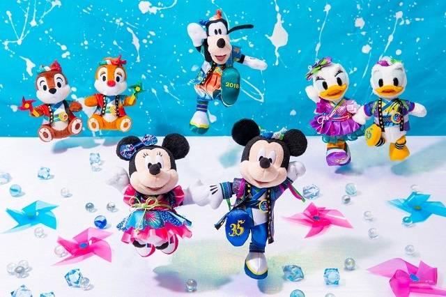 ぬいぐるみバッジ  各1,700円(c)Disney
