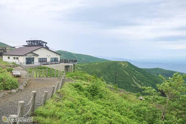 ロープウェイ山頂駅