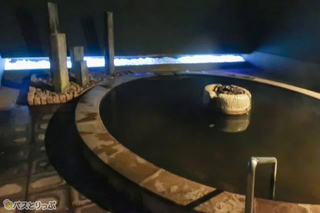 夜はきらきら光る露天風呂