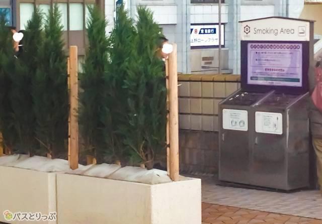 20161299_oshiro_09_JR上野駅 喫煙所.jpg