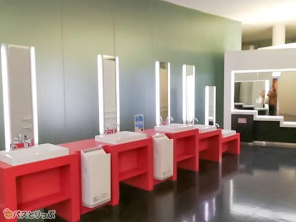 綺麗な化粧室