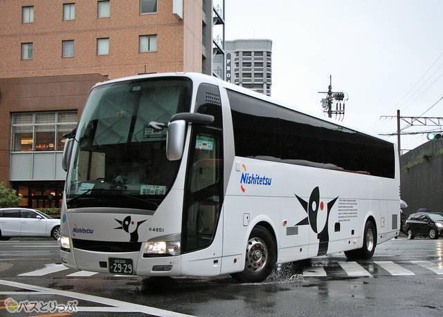 始発の博多バスターミナルへ向かう「ごかせ号」