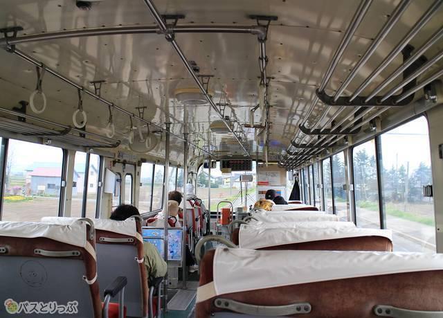 バスはのどかな風景の中を風連へ向けてひた走る