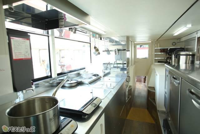 1階にはキッチンが設備されています