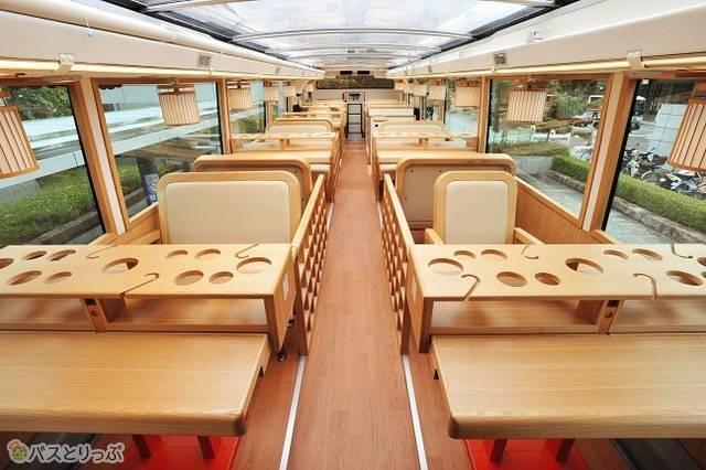 2人席から4人席とシートタイプも豊かです