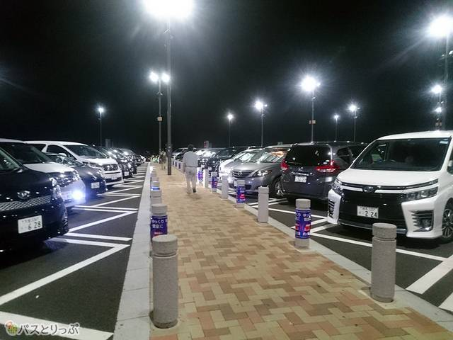 駐車場はほぼ満車