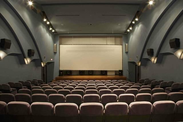 万葉倶楽部 神戸ハーバーランド温泉 映画館