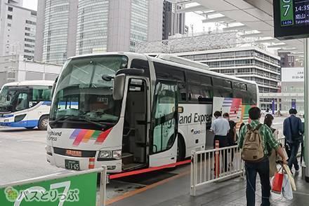 アルピコ交通&京王電鉄バス運行の「新宿~長野線」乗車記 人気のプライムシート便の乗り心地をレビュー