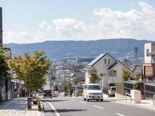 大社通り・八幡坂の景色