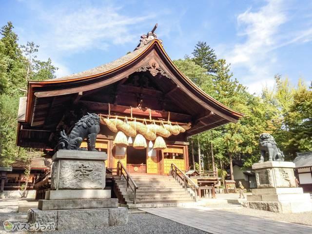 日本一の大きさという青銅製の狛犬