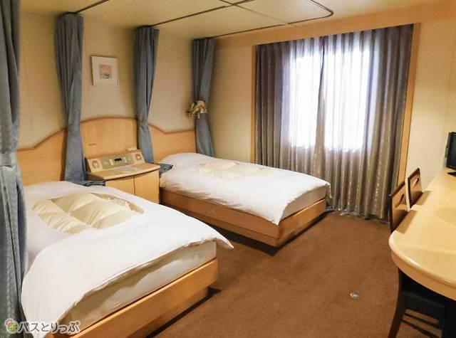まるでホテルのよう! 「デラックス」は専用バス・トイレつき。シングルルームあり
