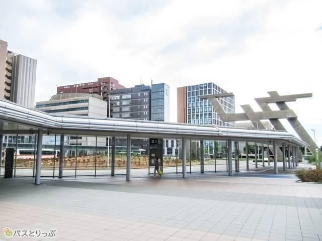 西口バスターミナル