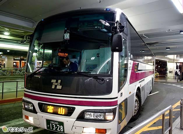 発車10分前にバスがやってきます(大阪から富山へは高速バスで)