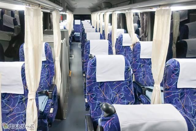カーテン付き3列独立シートで朝まで熟睡! 福井鉄道「ドリーム福井号 ...