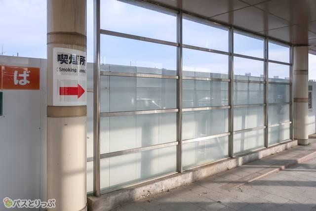 喫煙所までの道.JPG