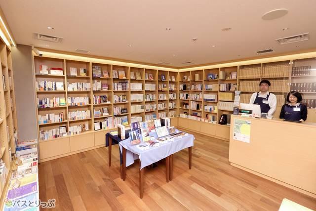 おすすめの本もチェックしてみよう 画像提供:築地本願寺