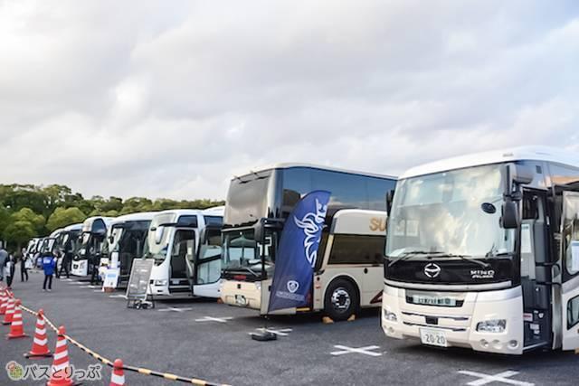 展示されたバス車両は、すべて乗車見学が可能