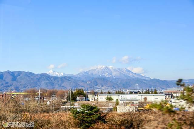 再び美しい山の連なりが