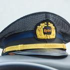 運転手さんの帽子には昌栄交通のエンブレム