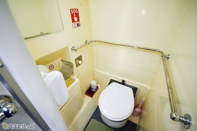 どっとこむライナーではトイレ付き車両を増加中