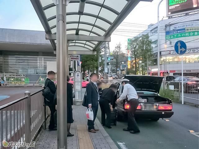 あざみ野駅西口のタクシー乗り場