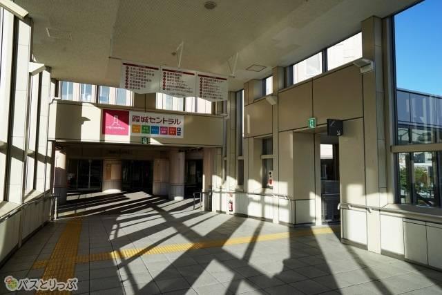 JR山形駅からは霞城セントラルの案内に沿って