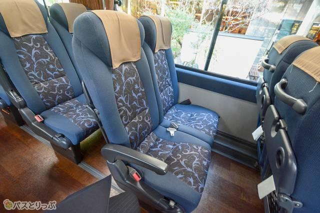 2席+2席のシート