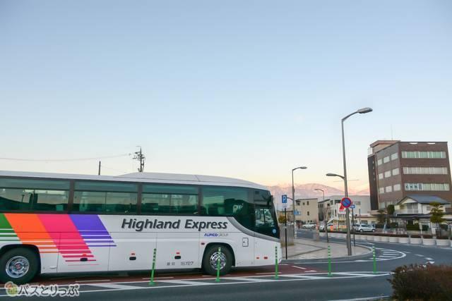 ツアーは朝7時に松本駅をスタート!