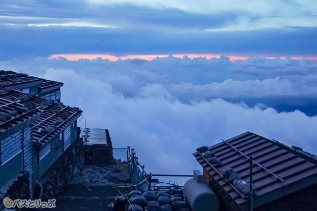 登った人だけが見られる雲上世界