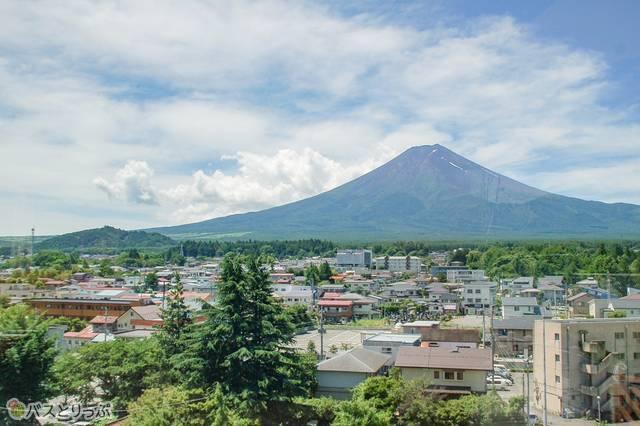 富士山駅の展望台から見た富士山