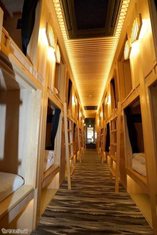 「奈良の森ホテル」カプセルホテルとは思えないドミトリー寝室