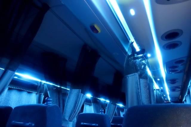 ブルーが基調の優しい照明