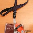 セキュリティカードキーとキャビン内収納の鍵