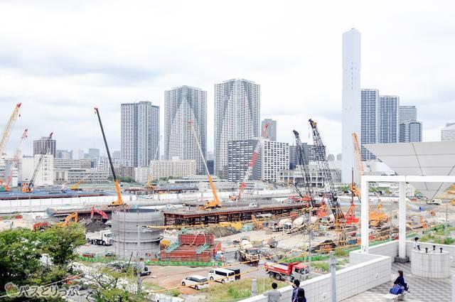 会場となった晴海客船ターミナルの周辺は、2020年の東京オリンピック時に選手村になるため、急ピッチで開発が進められている