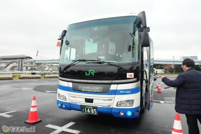 全国JRバスグループ運転競技会.jpg