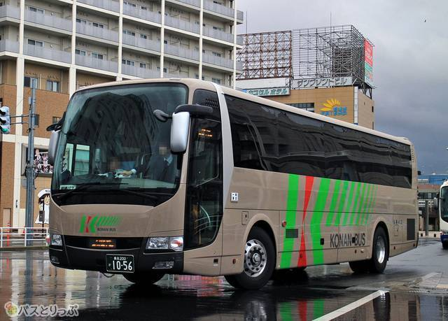 日本最長距離昼行バス「スカイ号」(弘南バス)