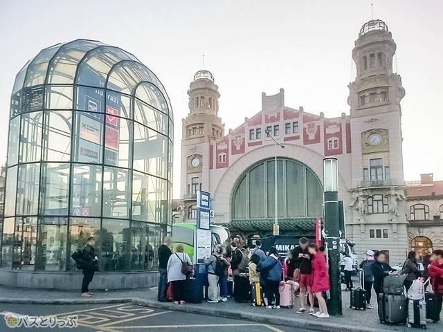 チェスキー・クルムロフ行きバス停
