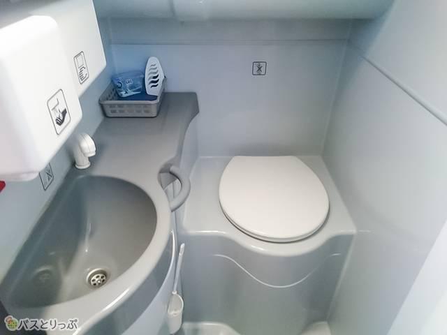車内のトイレ