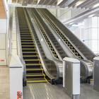 JR新宿駅新南改札からバスタ新宿までエスカレーターで1分ほど