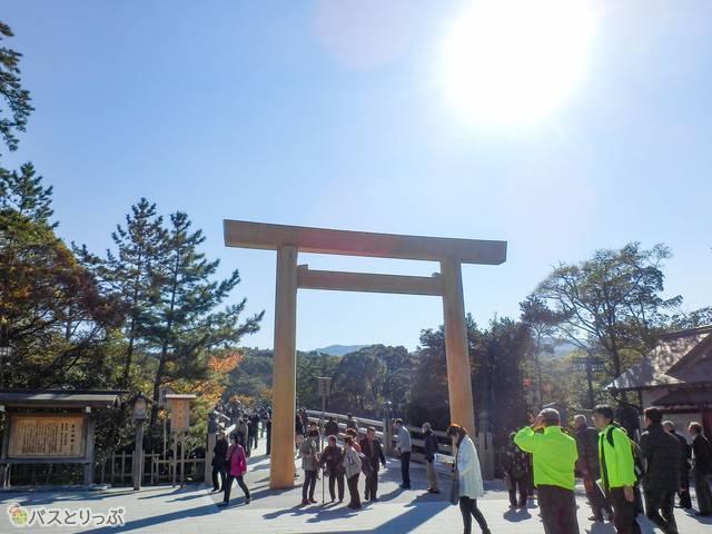 伊勢神宮の内宮入口(夜行バスで東京から伊勢神宮へ!)
