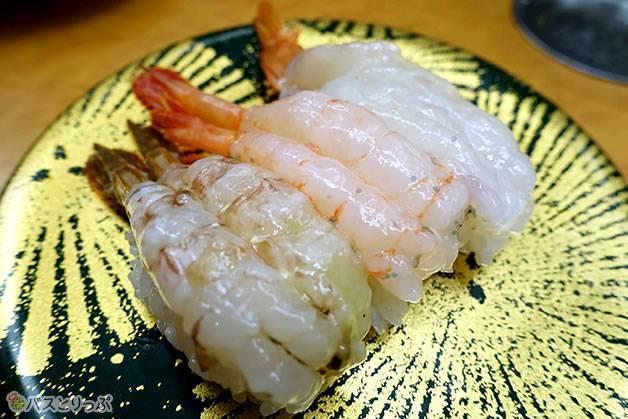 左から「芝海老」「甘海老」「車海老」の3品で1000円。格安です!(金沢グルメを堪能 行列の「メロンパンアイス」と近江町市場の美味しい「回転寿司」)
