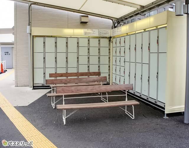 東京駅鍛治橋駐車場のコインロッカー