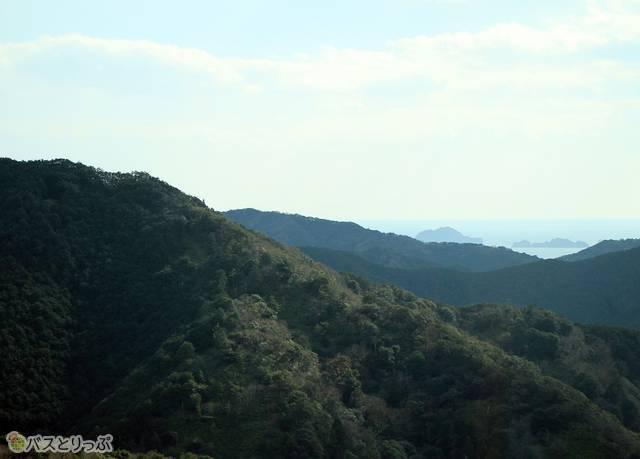荷坂峠頂上からの景色は絶景そのもの