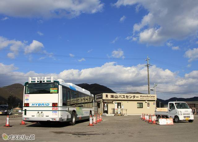 海山バスセンターで休憩中の「松阪熊野線」