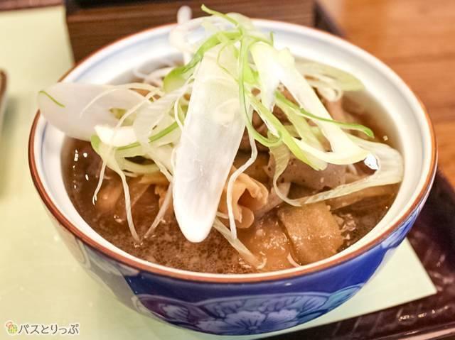 山形と言えばコレは外せない、芋煮(山形駅から徒歩圏内で山形グルメを食べ尽くす!)