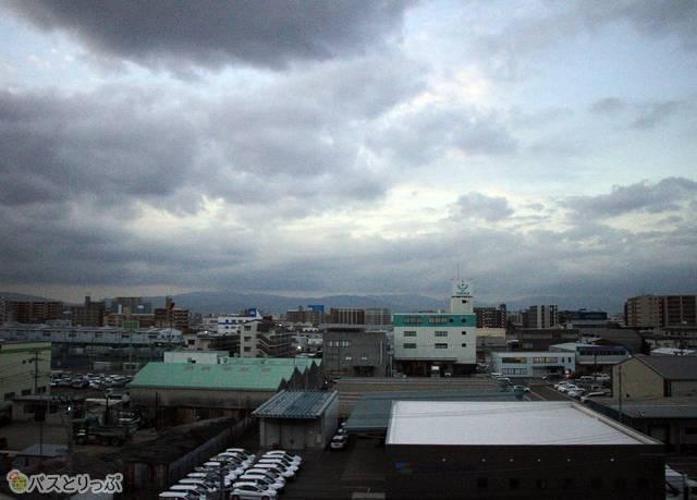 福岡都市高速道路から眺める福岡市内