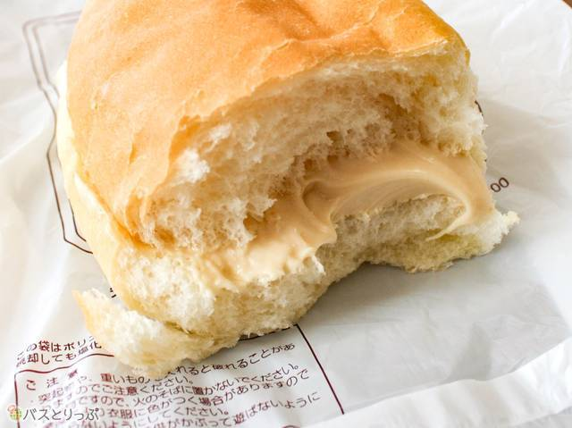 福田パンのコッペパン断面図