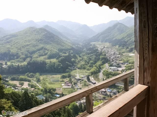 美しい山々と集落が見えます!(山形の山寺へ)