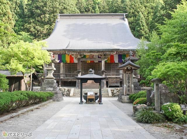 国指定重要文化財の根本中堂(山形の山寺へ)