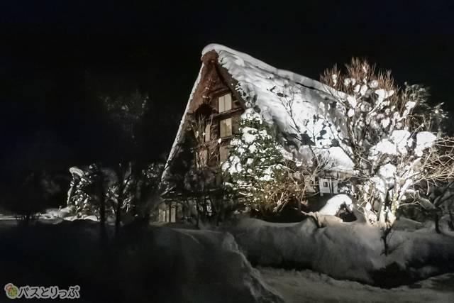 ライトアップイベントは、雪が2m近く降り積もる、一年の中で最も美しい季節に開催されているそうです